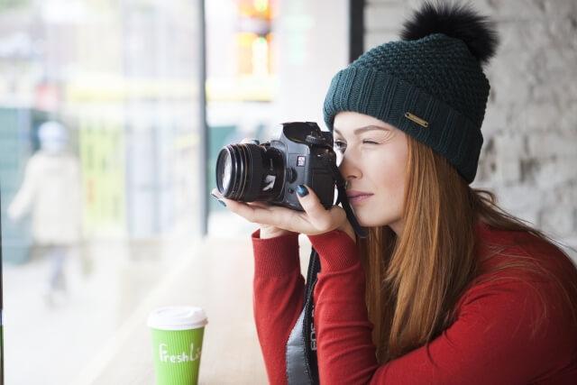 目的に合わせてカメラを選ぶ:海外にはミラーレスがおススメ