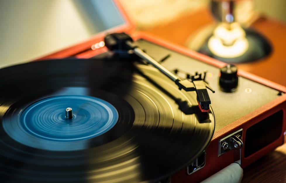 単体完結のレコードプレーヤー