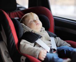 チャイルドシートの選び方と正しい設置方法