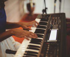 家でもピアノの練習がしたい!電子ピアノの種類や機能が抜群のおススメ製品を調べてみました。